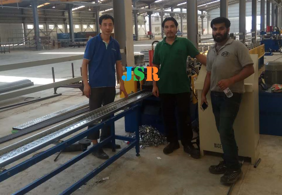 saudi arabia- scaffolding planks machine