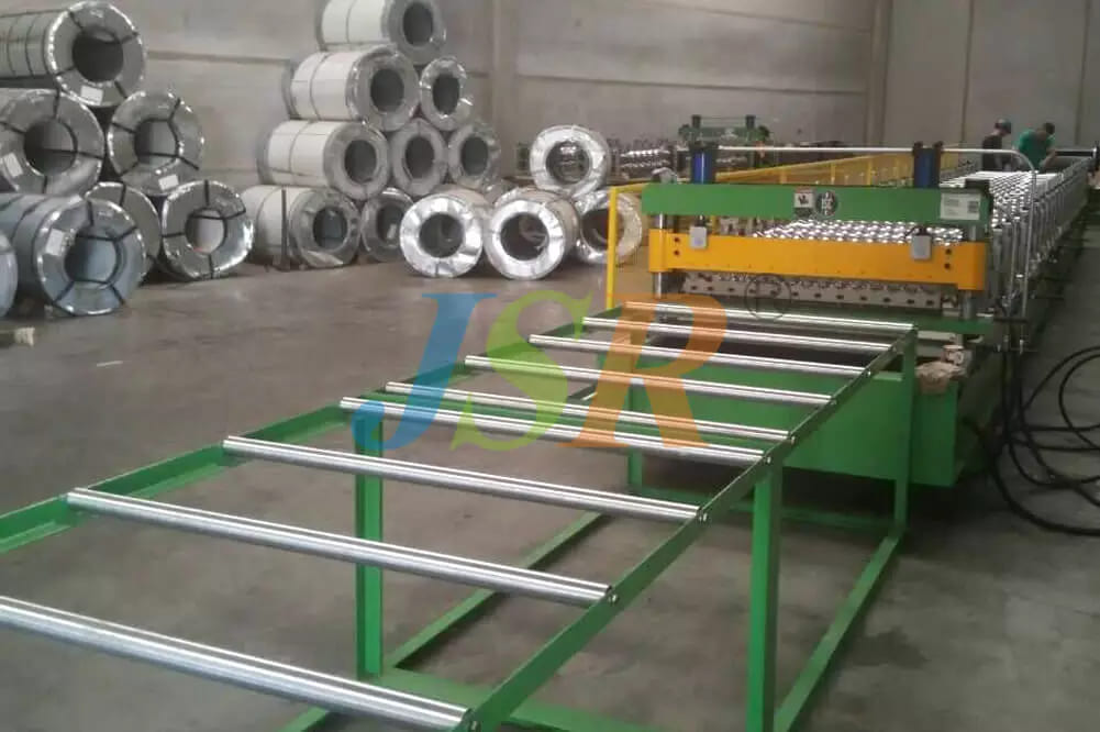 Corrugated Sheet Forming Machine With Guide Pillar