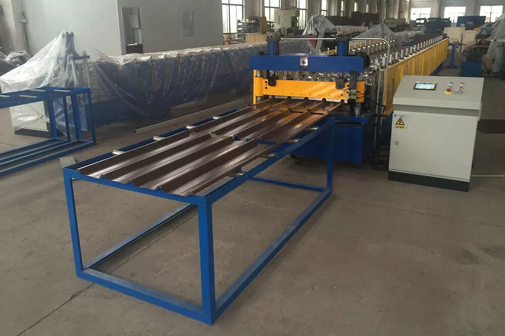 Trimdek Sheet Roll Forming Machine