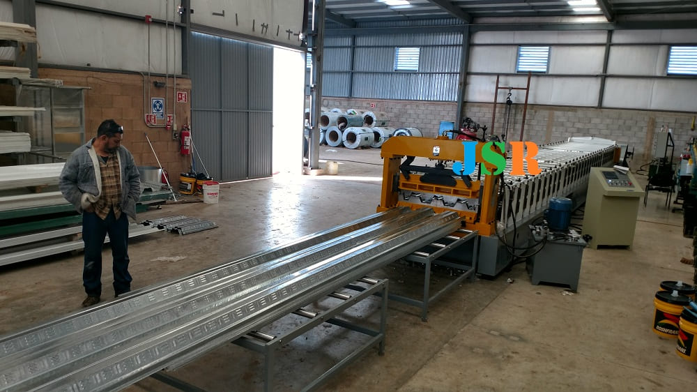 Mexico- deck forming machine
