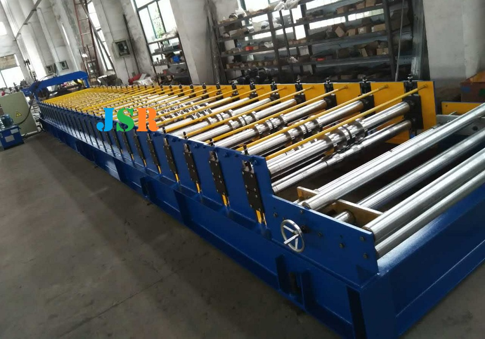 R101 roll forming machine2