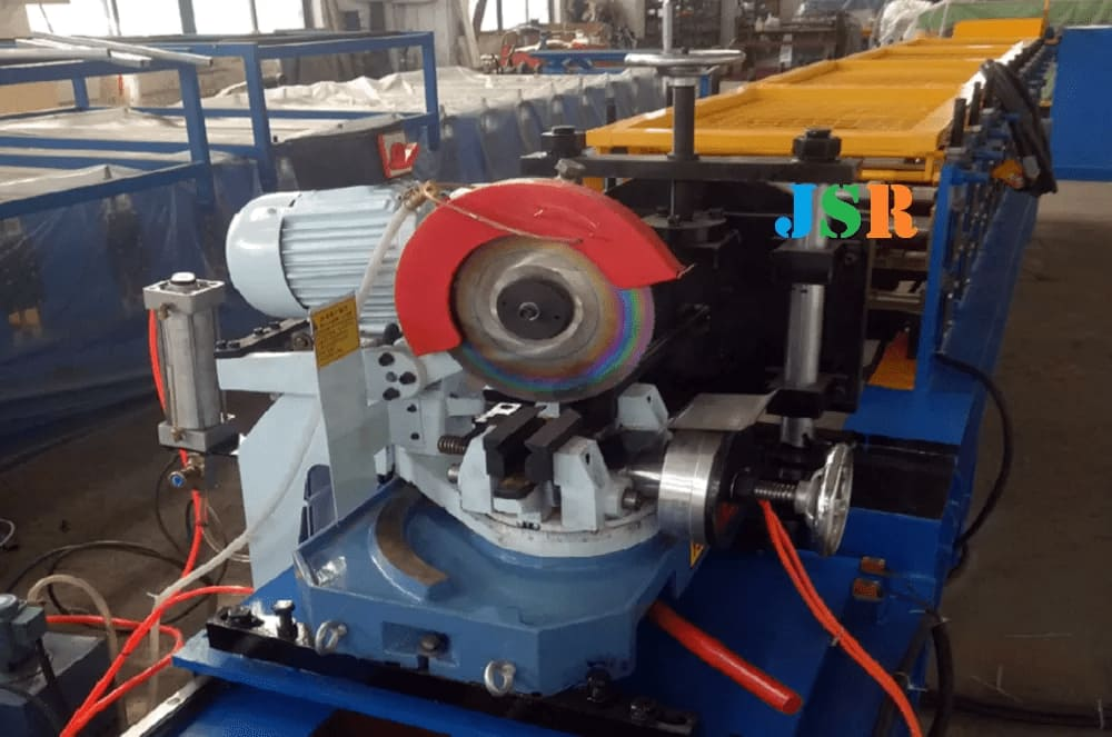 Fly Saw Roll Forming Machine